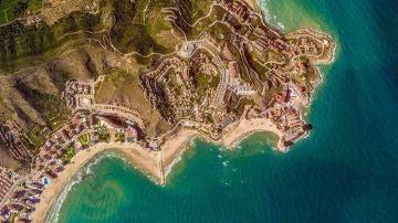 El faro de Cullera (Valencia) data de 1858. Google Earth lo ha fotografiado desde el espacio.