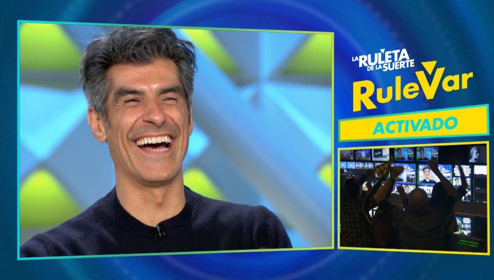 La canción de Camela y David Bisbal que convierte el plató de 'La ruleta de la suerte' en una auténtica fiesta