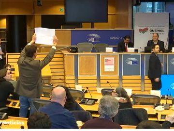 Incidente en el Parlamento Europeo entre un dirigente de Vox y Carles Puigdemont