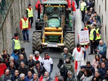 Un tractor ataviado de toro