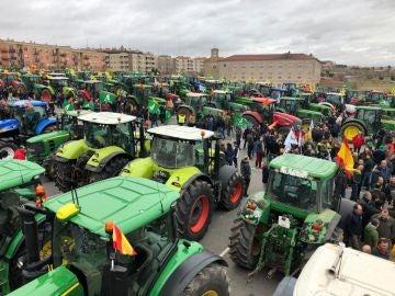 Tractores concentrados en una movilización en Valencia.