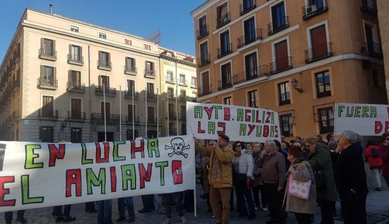 Amenazados por el amianto en el barrio madrileño de Orcasitas