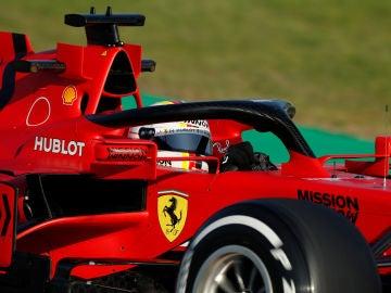 Sebastian Vettel pilota el SF1000 en Montmeló