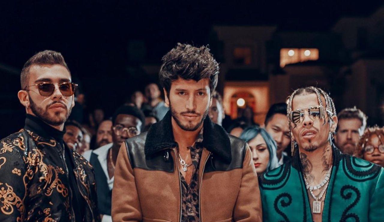 Manuel Turizo, Sebastián Yatra y Rauw Alejandro en el vídeo de 'TBT'