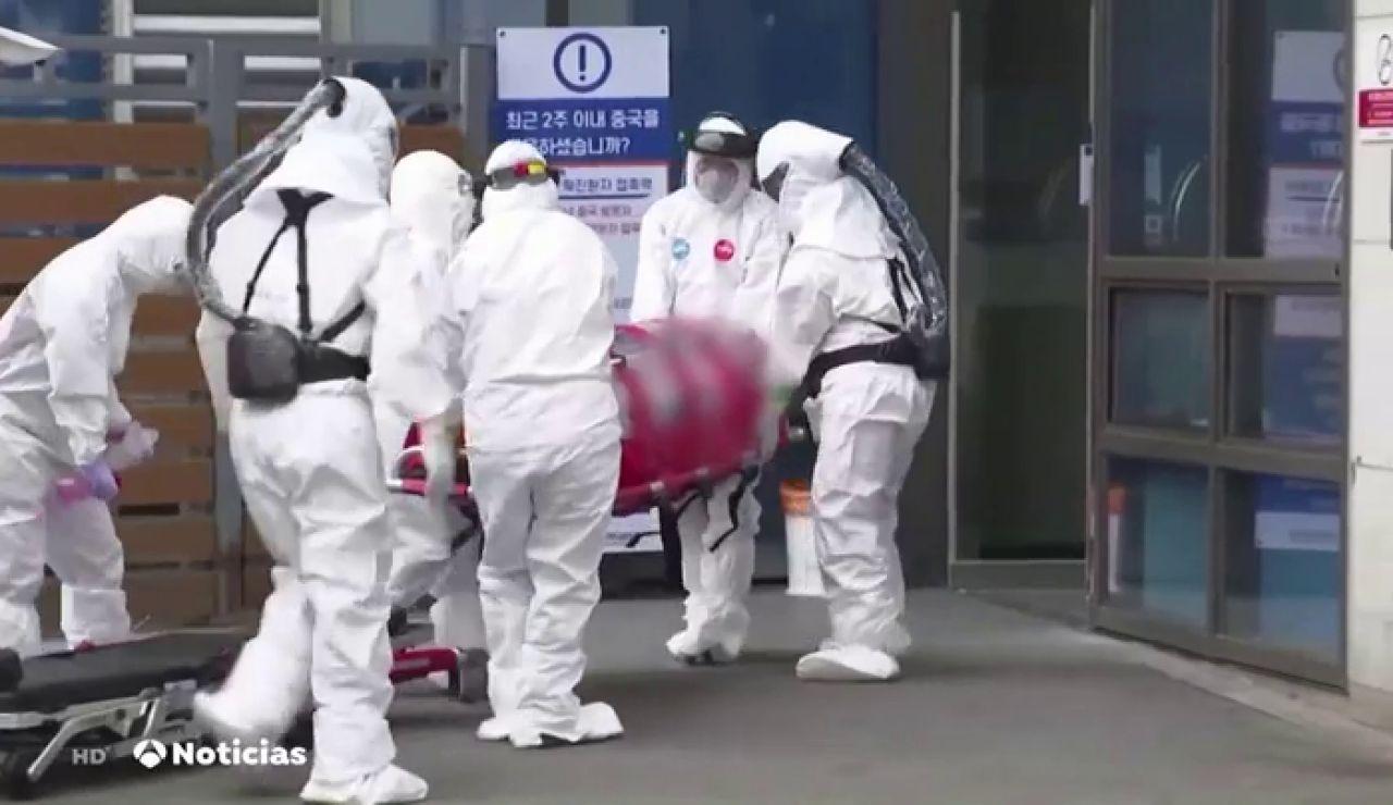 Máxima alerta por coronavirus: así trasladan a los infectados en Corea del Sur