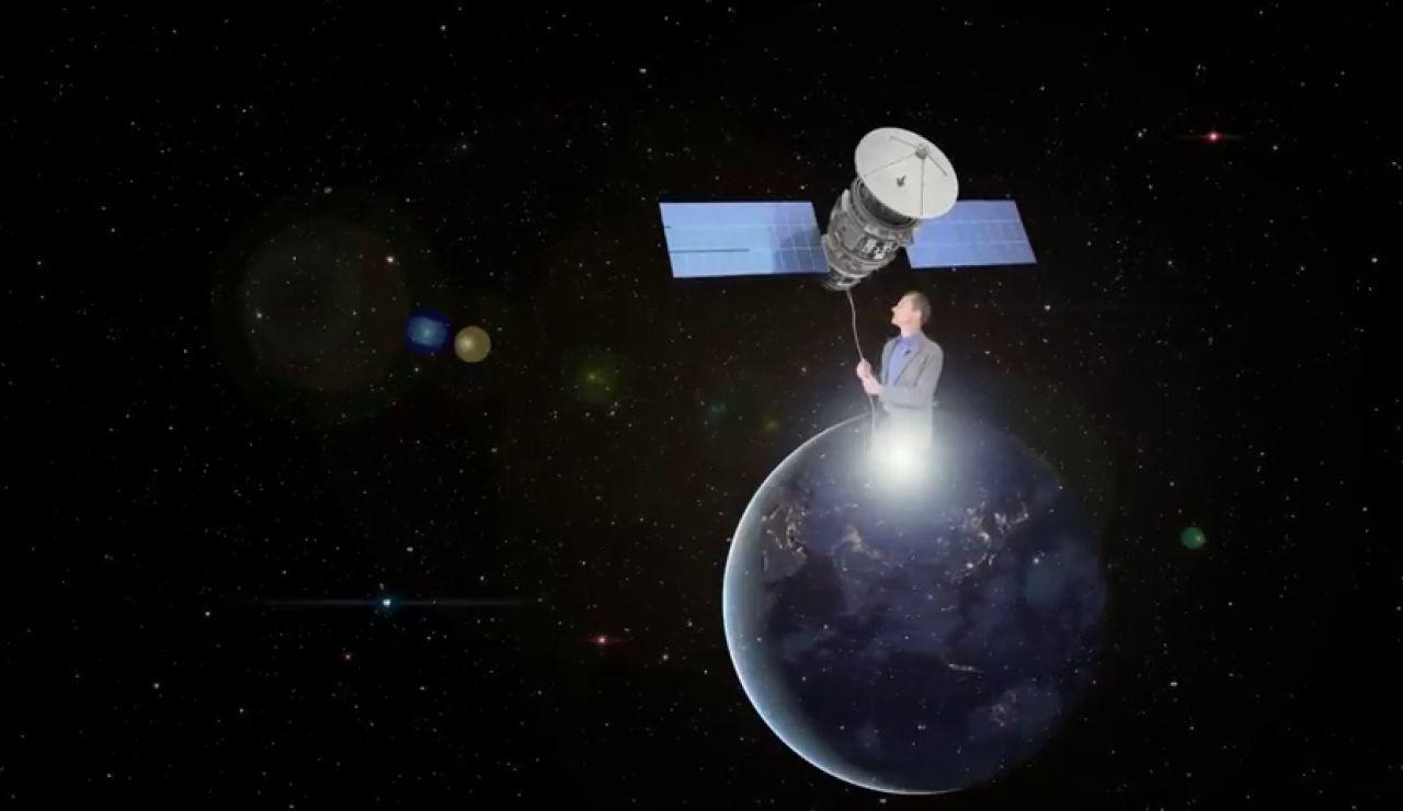 La ingeniosa respuesta de Pedro Duque explicando por qué no se puede mover un satélite con una cuerda