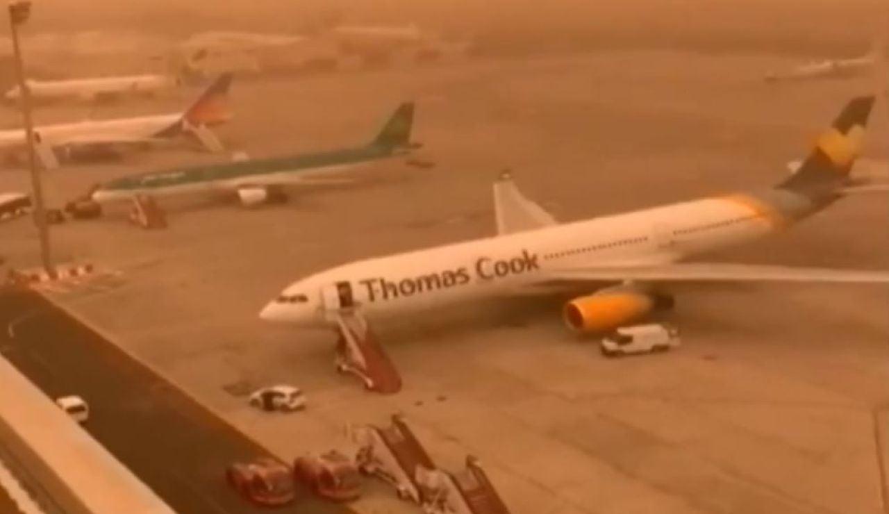 La fuerte calima obliga a desviar 144 vuelos que se dirigían a Canarias