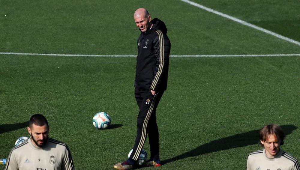 Zidane, en Valdebebas, en un entrenamiento del Real Madrid.