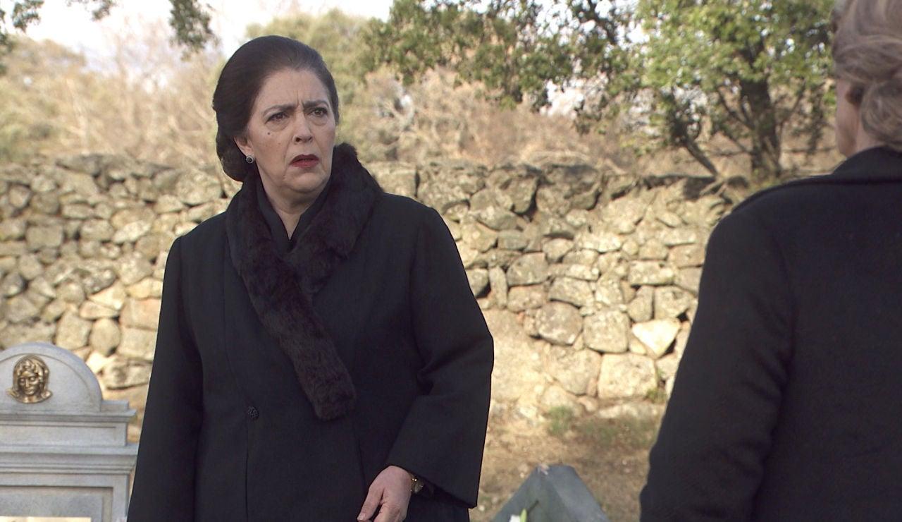 Avance 'El secreto de Puente Viejo': Francisca, sin palabras ante un encuentro inesperado