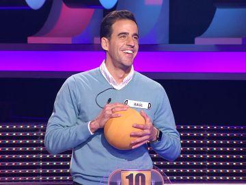 Raúl demuestra en '¡Ahora caigo!' que conserva su toque tras desvelar que jugó en Primera división
