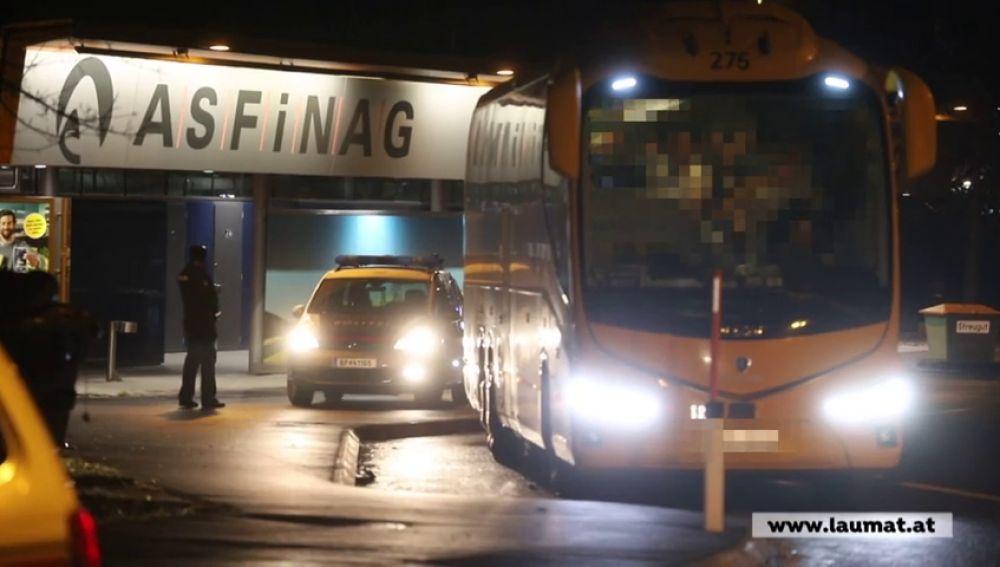 Varios pasajeros de un autobús español, examinados en Austria por la sospecha de estar contagiados por coronavirus