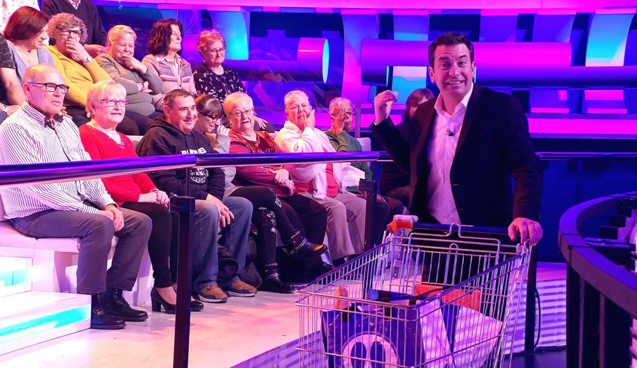 Un ataque de risa interrumpe a Arturo Valls en pleno '¡Ahora caigo!'