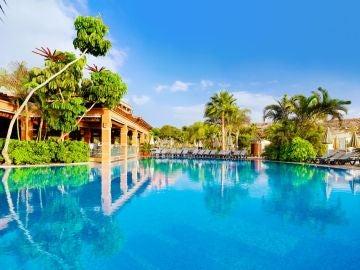 Vista de una de las piscinas del Hotel H10 Costa Adeje Palace