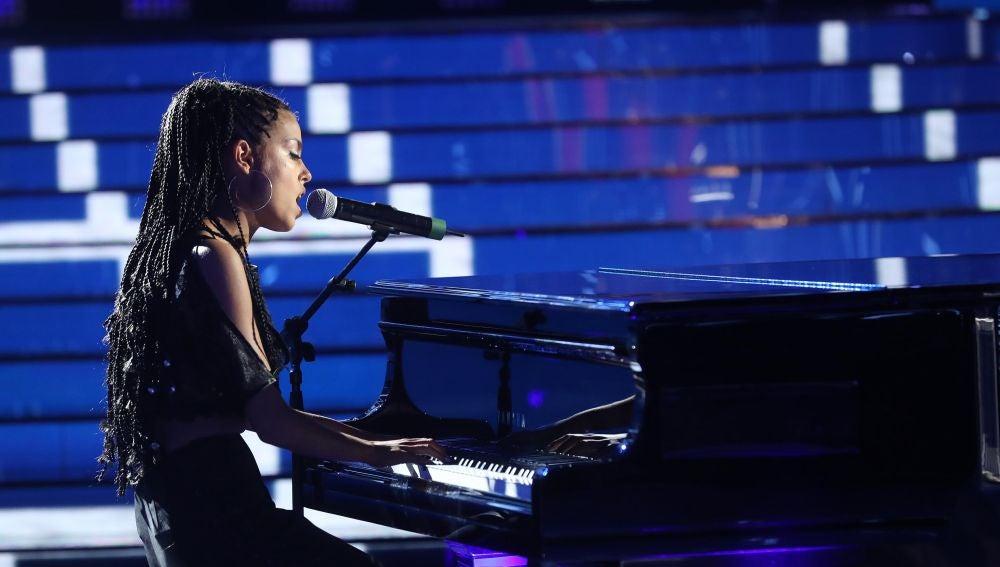 Nerea Rodríguez brilla al piano como Alicia Keys en 'Fallin'