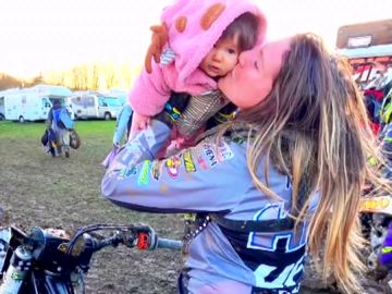 Kiara Fontanesi, campeona del mundo de motocross, vuelve a la elite solo tres meses después de ser madre