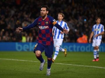 Messi celebra su gol de penalti ante la Real Sociedad
