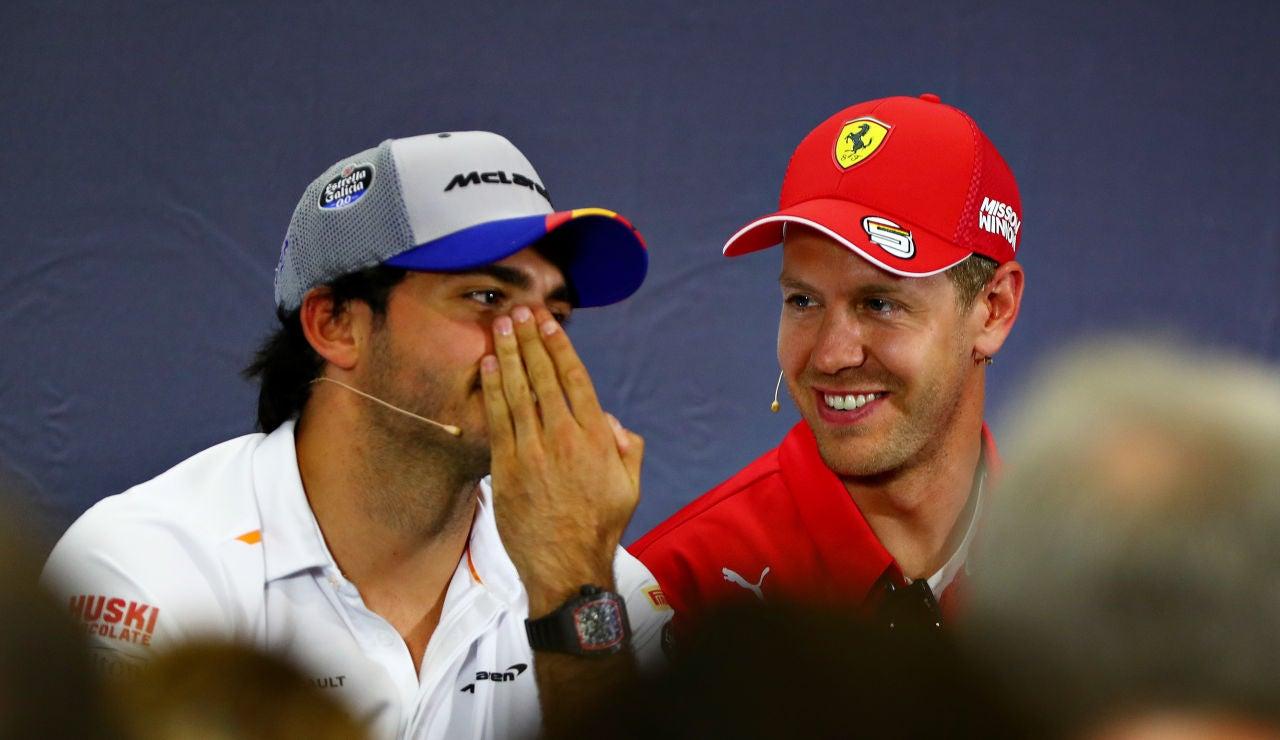 Carlos Sainz y Sebastian Vettel durante una rueda de prensa