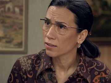 Manolita defiende a Luisita y le pide comprensión a Marcelino
