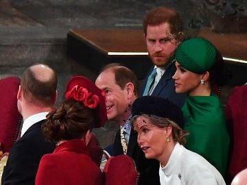 Meghan Markle y el príncipe Harry con el príncipe Guillermo y Kate Middleton