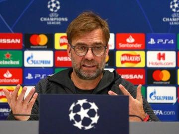 Jürgen Klopp durante la rueda de prensa previa al Liverpool - Atletico de Madrid