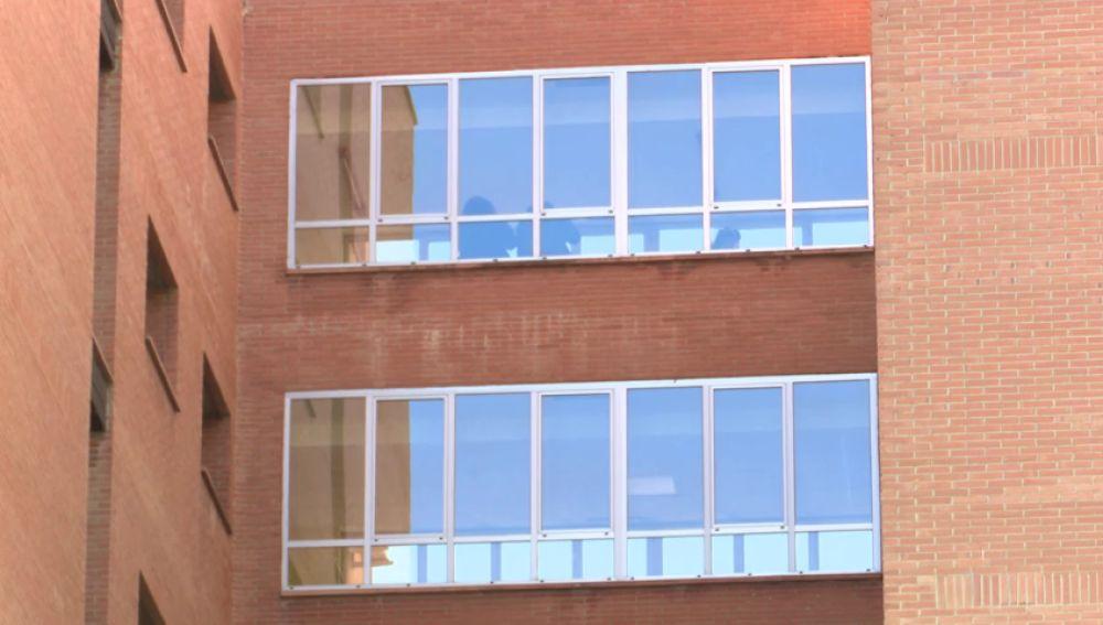 El coronavirus comienza a saturar los hospitales madrileños mientras los sanitarios denuncian la falta de material desechable