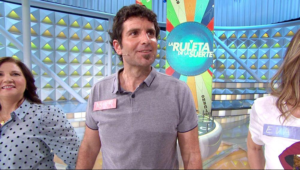 El divertido guiño de Asier a Karlos Arguiñano en 'La ruleta de la suerte'