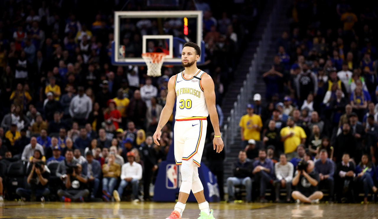 Stephen Curry en el estadio de Golden State Warriors