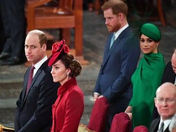 Meghan Markle y el príncipe Harry con su hermano el príncipe Guillermo y su cuñada Kate Middleton