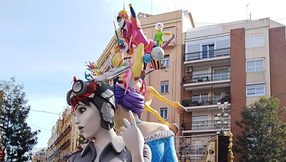 Las fallas siguen sin plantar en las calles de la ciudad de València.