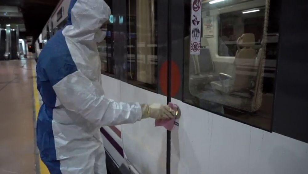 Puertas automáticas en el metro de Madrid para evitar los contagios por coronavirus