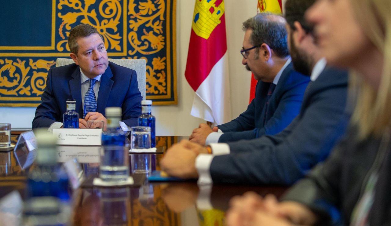 García-Page ha mantenido una reunión con representantes de PP, PSOE y C´s para abordar el avance del coronavirus