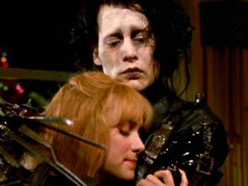 Winona Ryder y Johnny Depp en 'Eduardo Manostijeras'