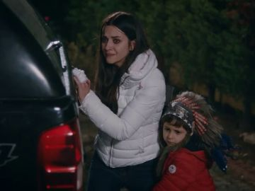 Nefes y su hijo tratan de escapar de Vedat
