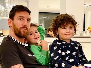 Lionel Messi, con sus hijos