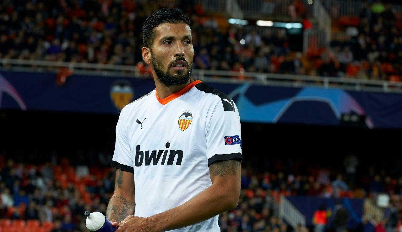Ezequiel Garay, tras un partido del Valencia