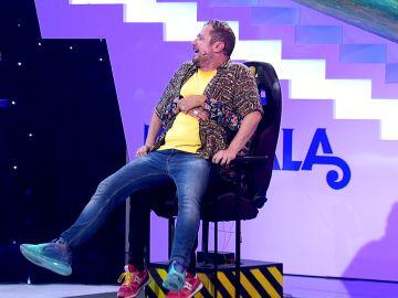 José Corbacho ayuda a El Monaguillo a vencer su miedo a la silla de las 'Palabras corrientes'