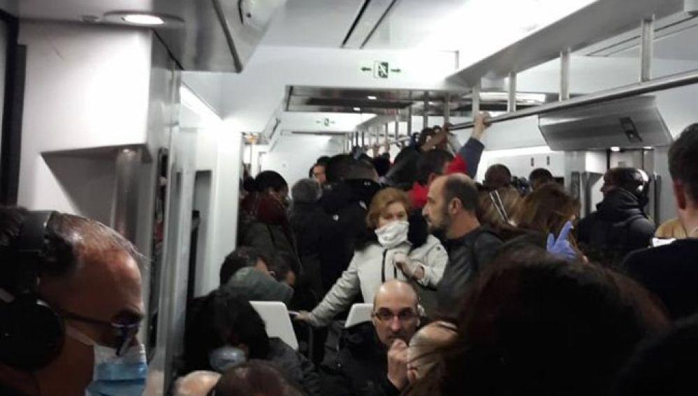 El interior de un tren en Atocha