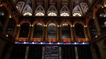 La Bolsa española arranca la semana con pérdidas ante el desplome de los índices estadounidenses
