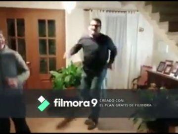 El baile del alcalde de Mancor para sobrellevar el confinamiento por el coronavirus
