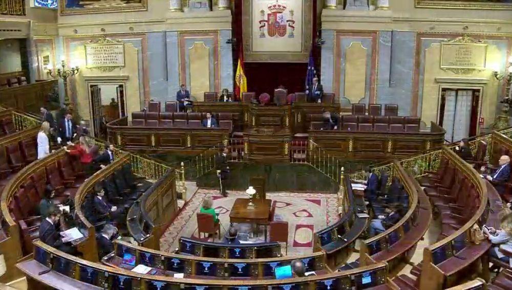 El Parlamento del coronavirus, vacío... pero abierto