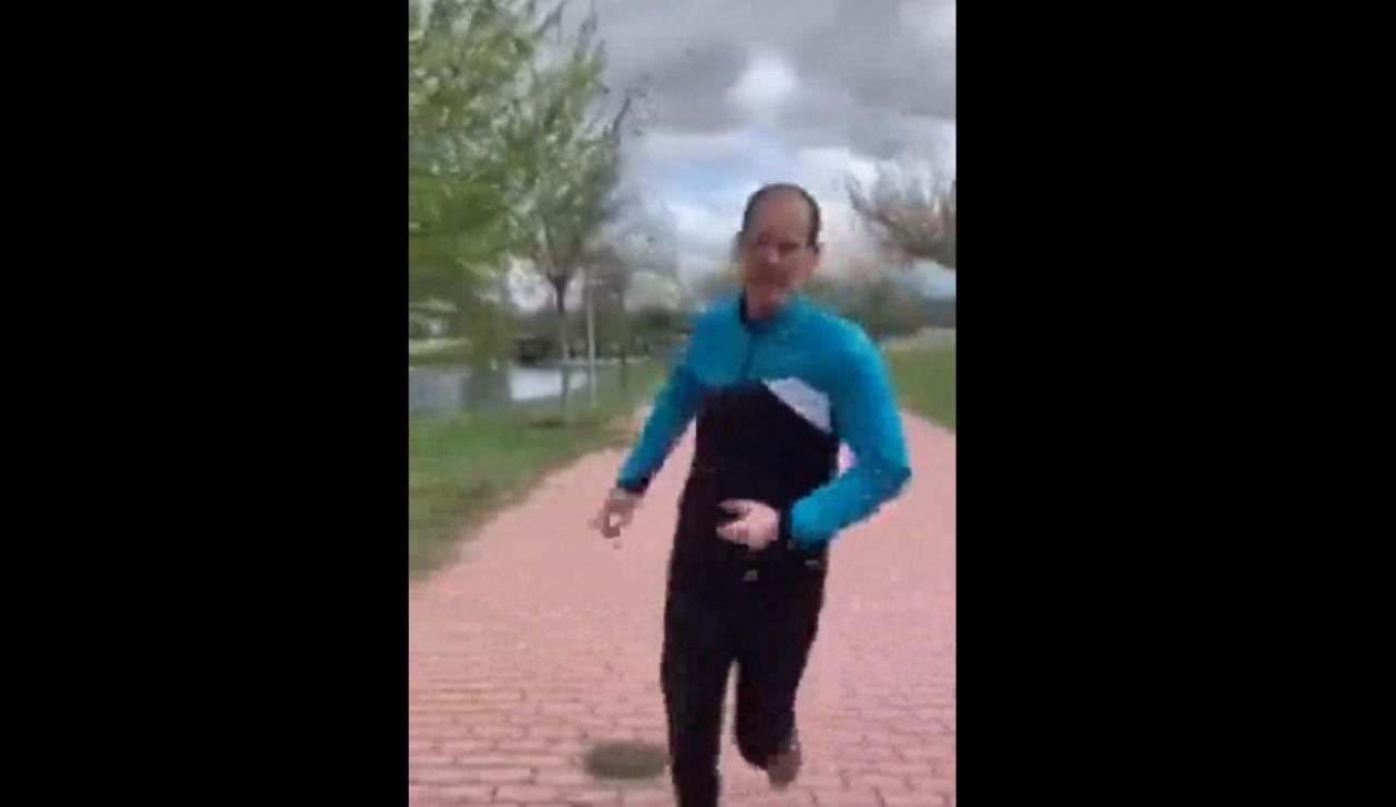 Lamentable actitud de un runner