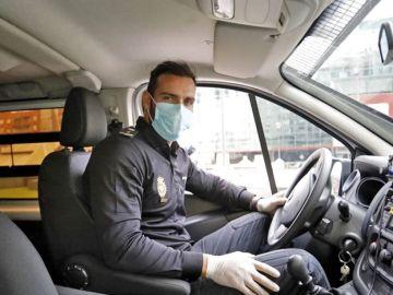 Saúl Craviotto patrullando la ciudad