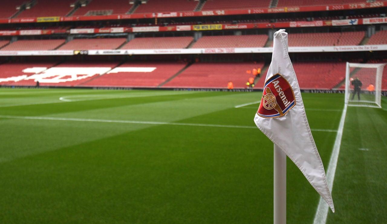El Emirates Stadium, estadio del Arsenal, con las gradas vacías