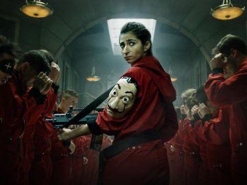 La actriz Alba Flores, en una imagen promocional de la serie 'La casa de papel'