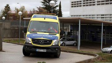 Una ambulancia en las inmediaciones del Hospital Santa Bárbara de Soria