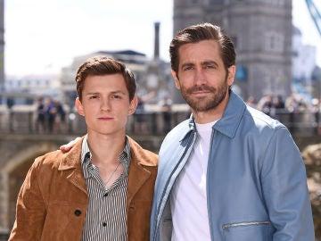 Jake Gyllenhaal y Tom Holland