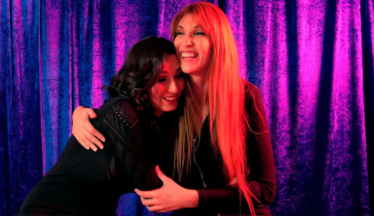 Lola Rodríguez y Valeria Vegas comparten impresiones tras las cámaras de 'Veneno' en ATRESplayer PREMIUM