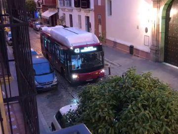El autobús que emula ser un paso de Semana Santa