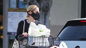 Emma Roberts es de las que se pasa comprando papel higiénico