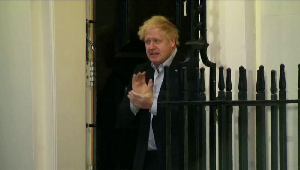 Boris Johnson, de quitar importancia a la pandemia a ingresar en un hospital por no superar el coronavirus